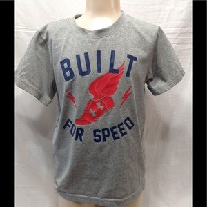 Boy's size 4T UNDER ARMOUR dry-fit tee